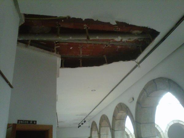 Obras y urbanismo - Tapar agujero techo ...